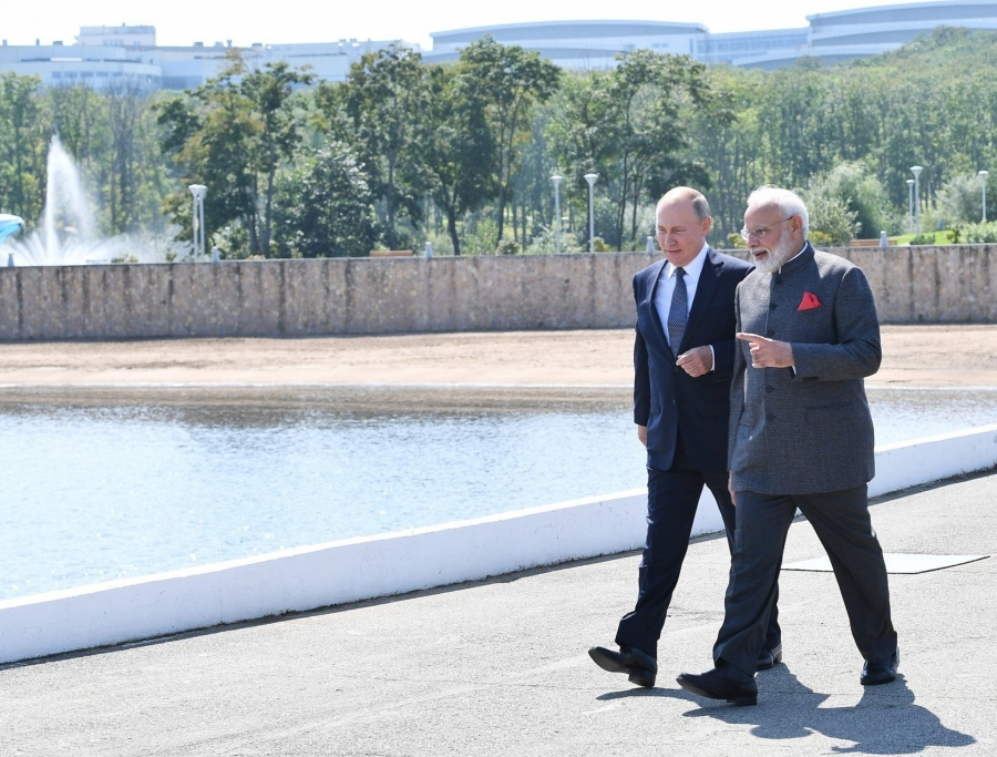 Russia president Putin called PM Modi : Assured full support to counter COVID-19