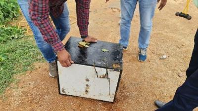 ಅಮೆಜಾನ್ ಗೋಡನ್ ಕಳ್ಳತನ: ₹10 ಲಕ್ಷ ಹಣವಿದ್ದ ಲಾಕರ್ ಪತ್ತೆ ಹಚ್ಚಿದ ಡಾಗ್ ಸ್ಕ್ವಾಡ್ | ಜನತಾ ನ್ಯೂ&#