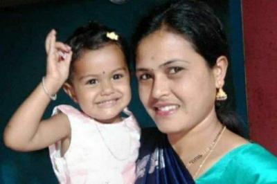 ಮಗುವಿನೊಂದಿಗೆ ನೇಣು ಬಿಗಿದು ಆತ್ಮಹತ್ಯೆಗೆ ಶರಣಾದ ತಾಯಿ | ಜನತಾ ನ್ಯೂ&#