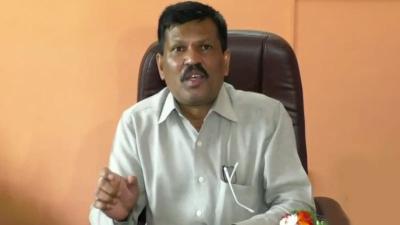 ಚಿತ್ರದುರ್ಗ ಜಿಲ್ಲೆಯಲ್ಲಿ ಕ್ರೈಸ್ತ ಮಷನರಿಗಳಿಂದ ಮತಾಂತರ, ನನ್ನ ತಾಯಿಯನ್ನೇ ಮತಾಂತರ ಮಾಡಿದ್ದಾರೆ! | ಜನತಾ ನ್ಯೂ&#